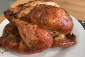 Cómo cocinar pollo entero a la Plancha